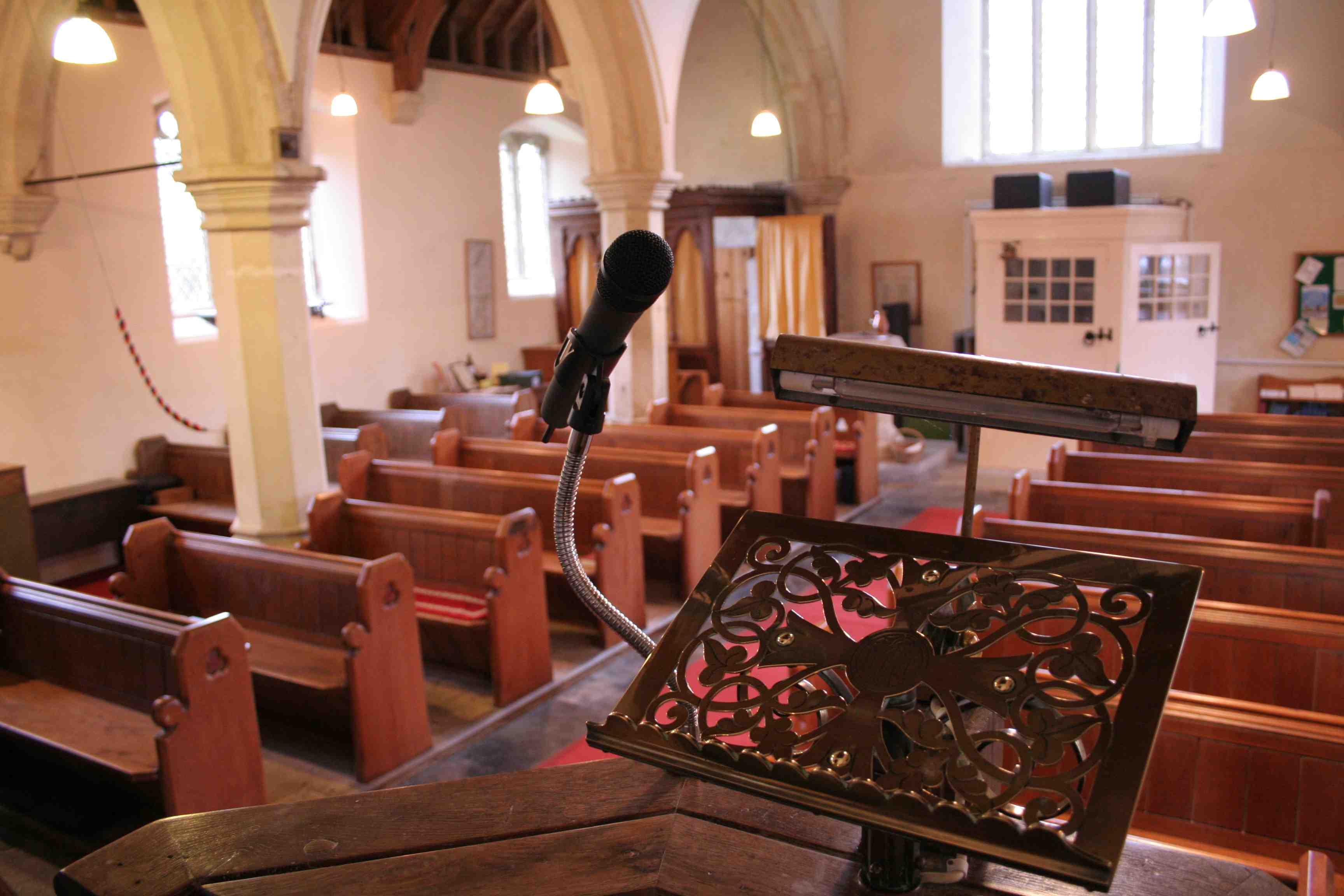 Biserica are nevoie de sisteme de sonorizare